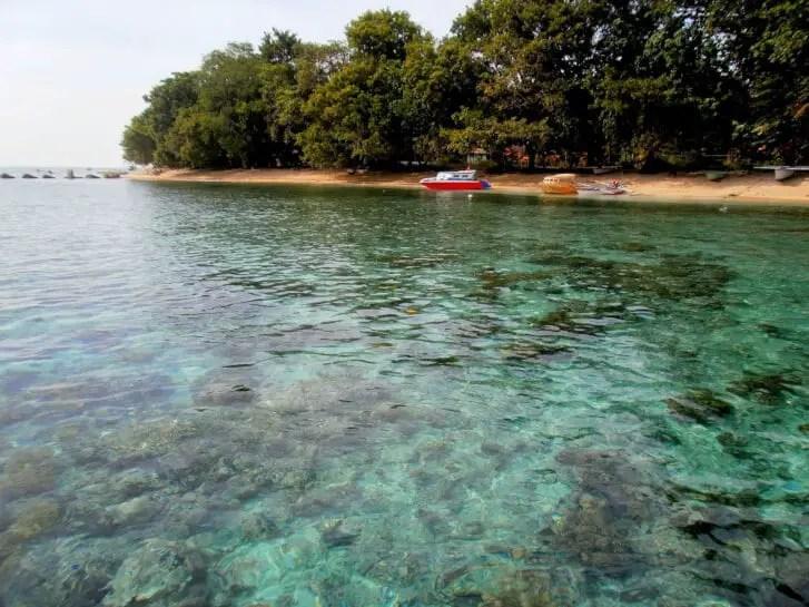 pulau siladen manado