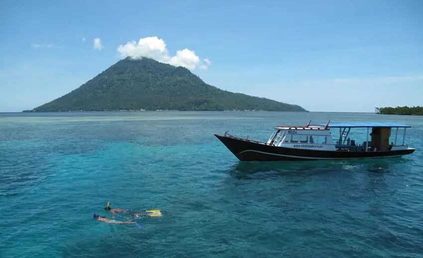 snorkeling di dekat manado tua