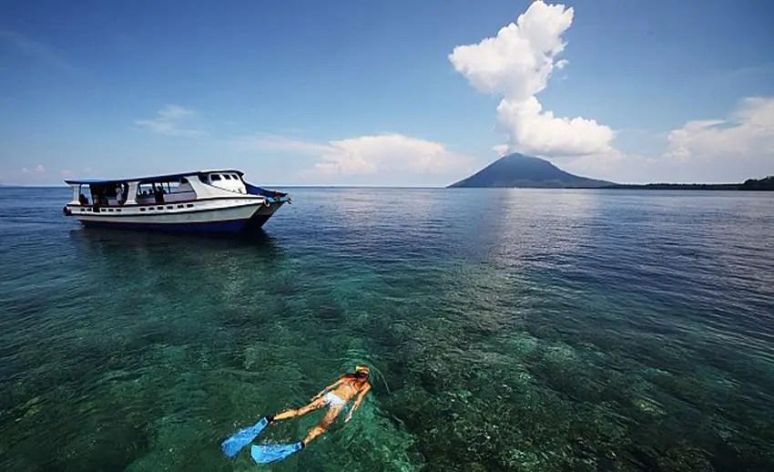 snorkeling-di-perairan-teluk-manado