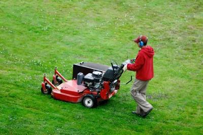 Lawn maintenance crew