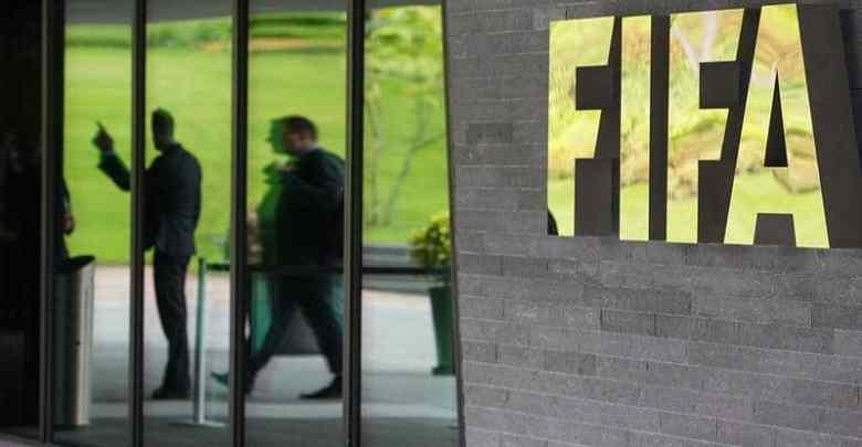 الفيفا أكد عزمه على مساعدة اللاعبين الذين لا يتقاضون رواتبهم