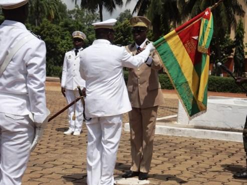 FAT - A la tête de l'Armée de Terre et de la Marine nationale : le Colonel Sogoyou Kpatcha et le Capitaine de Vaisseau Mayo Kossi, ont pris commandement