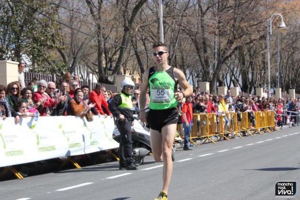 El corredor local Alberto Casas se hizo con la tercera posición