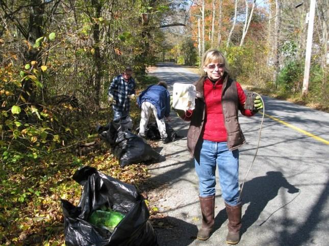 Manchaug Pond Foundation Cleanup