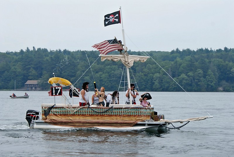 Boat-Decorating-Contest-2011-First-Place-GC