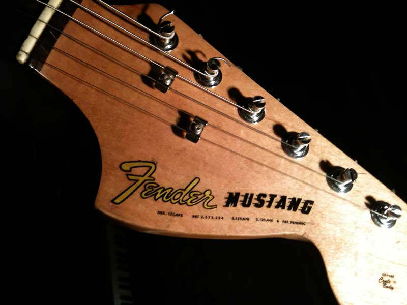 Sonic Blue Fender Mustang headstock