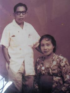 foto Aziz Nasution dan isteri