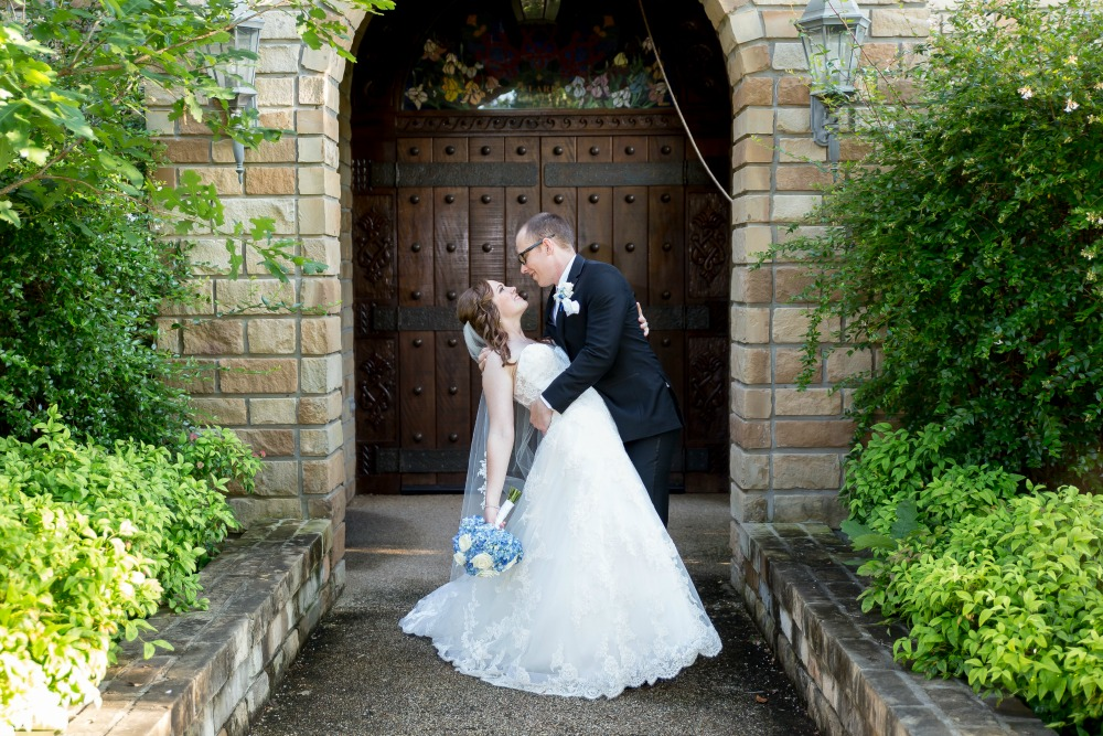 Three Anniversary Traditions - www.mandamorganc.om #anniversary #threeyearanniversary #wedding