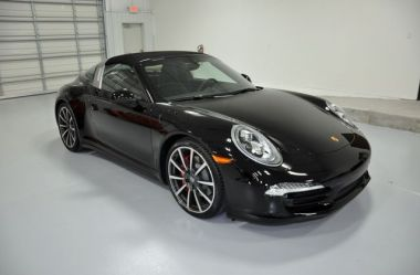 NOUVEAU +++ Porsche Voiture d'occasion: Porsche 911 Targa 4S für 95700 € +++ Les meilleures offres | Cabriolet/Décapotable, 9700 km, 2014, Essence, 400 CV, Noir | 137244106 | auto.de