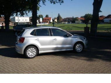NOUVEAU +++ VW Voiture d'occasion: VW Polo 1.2 Trendline BlueMotion TDI DPF 4Trg Kl für 10690 € +++ Les meilleures offres | Berline, 19900 km, 2014, Diesel, 75 CV, Argent | 136437521 | auto.de