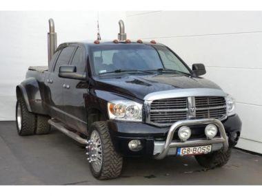 NOUVEAU +++ Dodge Voiture d'occasion: Dodge RAM 3500 Mega Cab 5.9 Diesel Aut. Leder Klim für 24990 € +++ Les meilleures offres   4x4, 123000 km, 2007, Diesel, 330 CV, Noir   137603773   auto.de