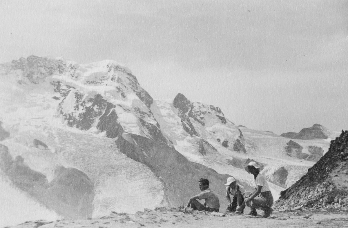 Au Gornegrat, vue sur le Breithorn et le Petit Cervin