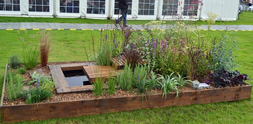 Tekku Garden Border by KG Cooke Design, Leeds; Silver-gilt