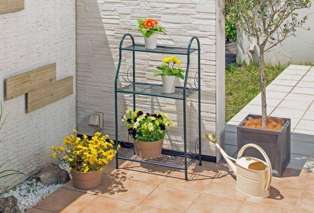 Indoor or outdoor shelf unit. Picture; VegTrug