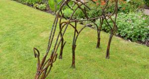 Grazing doe. Picture; Andrew Kay Sculpture