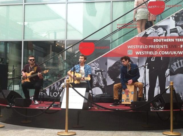 Guitar George at Westfield Presents