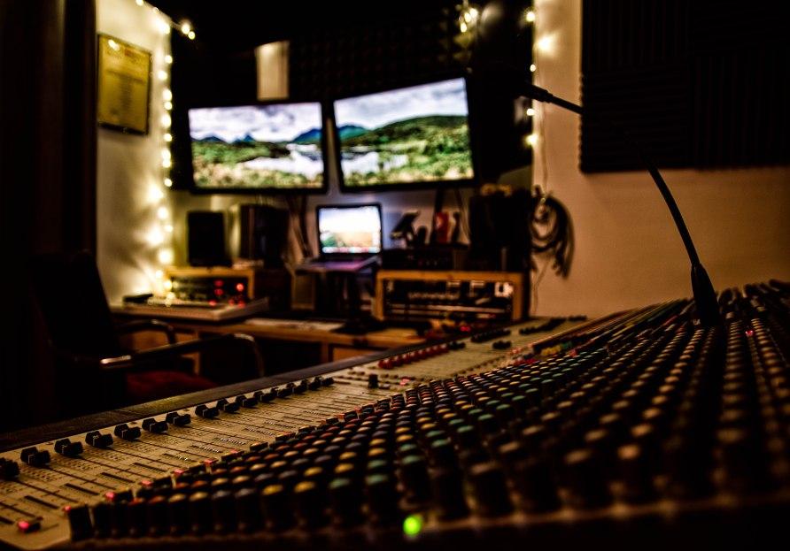 Soundcraft MH3 analogue console