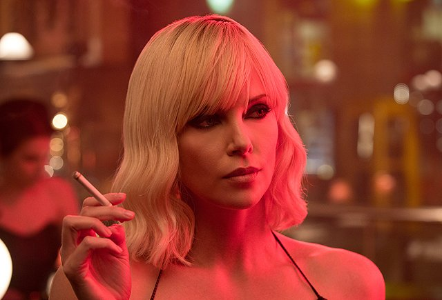 Atomic Blonde: arriva online il trailer del film con Charlize Theron