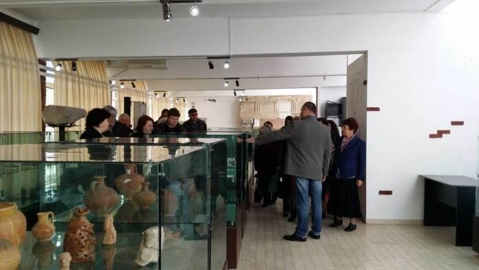 prietenii-din-bulgaria-in-vizita-la-muzeul-callatis1