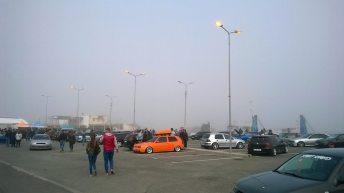 Becurile aprinse, în portul turistic, la ora 17:00...