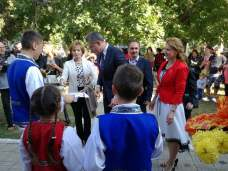 Lansare de carte în comuna Albești în prezența Altețelor Sale Regale-08