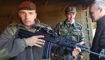 Românii au creat un nou tip de armă de asalt care se încadrează în normele NATO