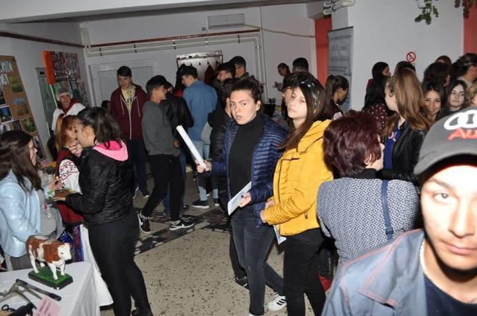 Liceul_Cobadin-targ-educational-14