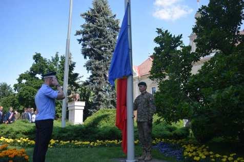 Mădălina Mirea Ziua drapelului1