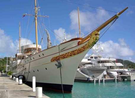 Libertatea-yachtul-regal2