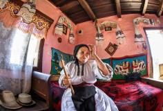 Sorin Onisor Maicile neamului romanesc-85 - undeva in Bistrita