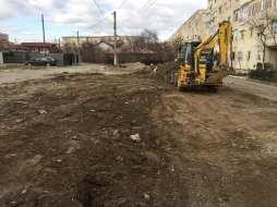 Continuă lucrările de amenajare a parcărilor de reședință F1-F2-c