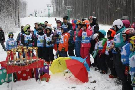 WORLD SNOW DAY - Bring children to the snow Valiug Caras Severin1