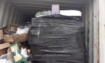 Containere încărcate cu deșeuri, depistate în Portul Constanţa Sud Agigea (6)