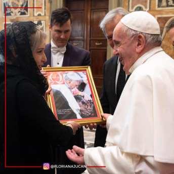 Floriana Jucan - Audienta la Papa de la Roma1