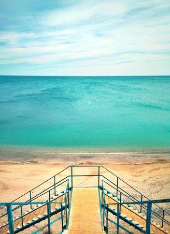 Vlad Eftenie - Mai rar am vazut marea din Vama atat de calma si colorata ca astazi, translucida si cuminte