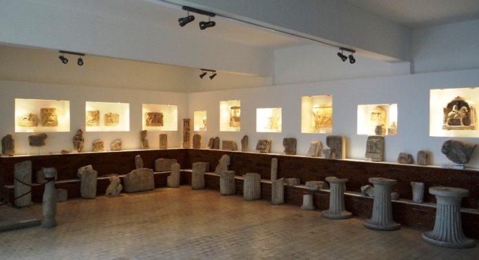 Reorganizarea expozitiei muzeului
