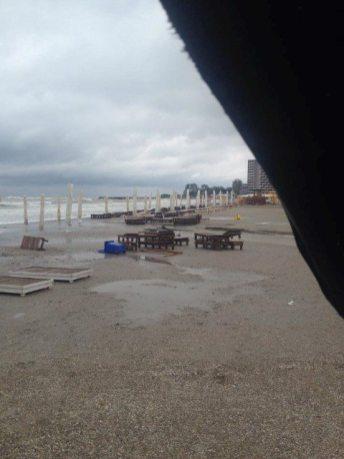 dupa-furtuna-pe-plaja-adras-05 (Small)