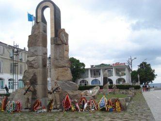 mangalia-monumentul-eroilor-neamului
