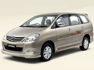 Toyota_Innova_Taxi