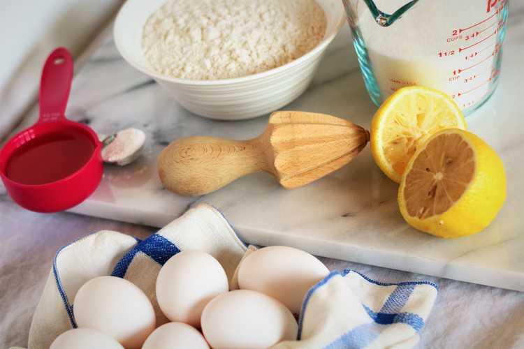 ingredients for making nonna's sponge cake