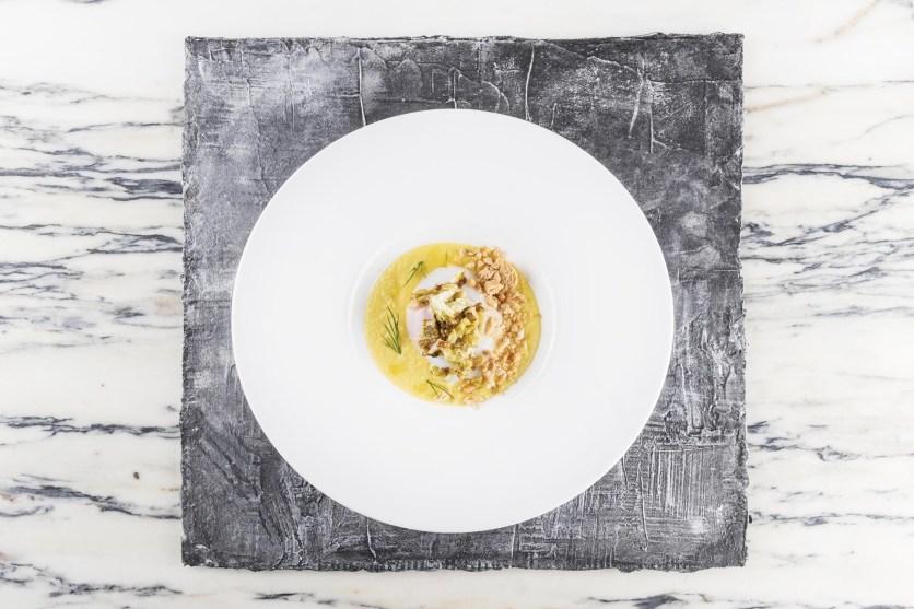 Uovo di fattoria, crema di carote, taralli e lattuga brasata al forno_bistRoAimoeNadia