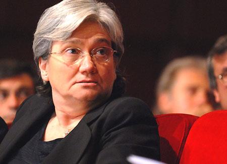 La líder de los demócratas italianos ha pedido a las parejas del mismo sexo que abandonen el país