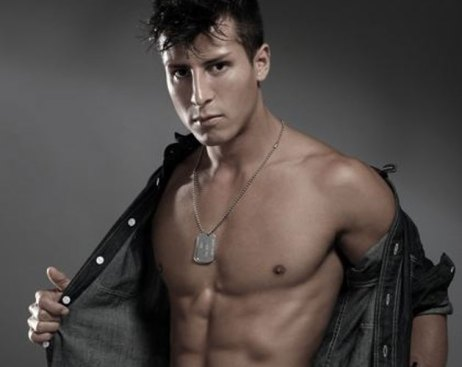 El actor porno gay Edin Sol, víctima de una agresión homófoba en Nueva York