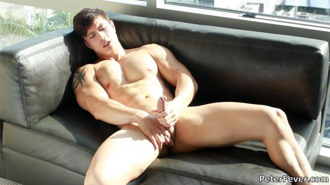 Peter-Fever-Peter-Le-Muscular-Naked-Chinese-Guy-With-Big-Uncut-Cock-Amateur-Gay-Porn-12
