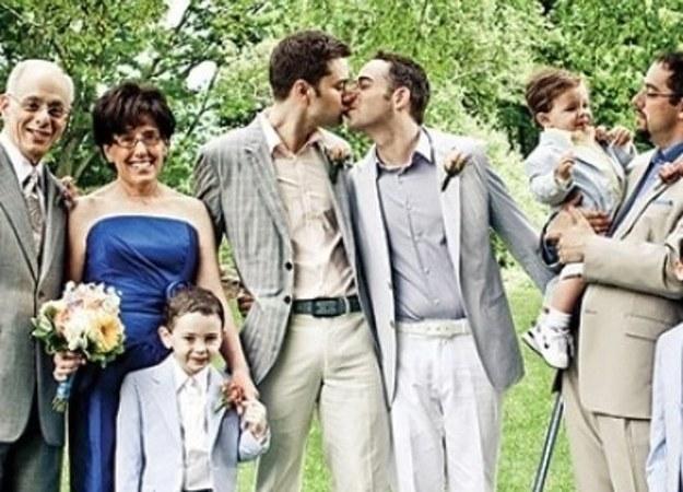 250515 DIFERENCIAS ENTRE SER GAY A LOS 15, 25 y 35.FOTO 29