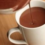 Chocolate quente cremoso para os dias frios