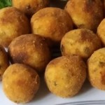 Aprenda a fazer deliciosos bolinhos de batata doce com apenas 2 ingredientes!