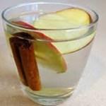 Chá de maçã e canela é uma delícia e com muitos benefícios!