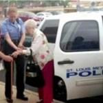 Senhora de 102 anos foi presa pela polícia por uma razão bastante incomum!