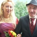 Uma mulher se casou com um milionário mais velho do que ela e quando ele morreu, ela recebeu uma surpresa